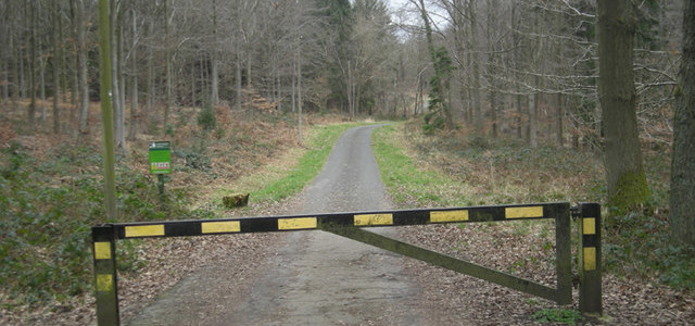 https://www.mediawiki.org/wiki/File:Access_Denied_-_geograph.org.uk_-_1197284.jpg